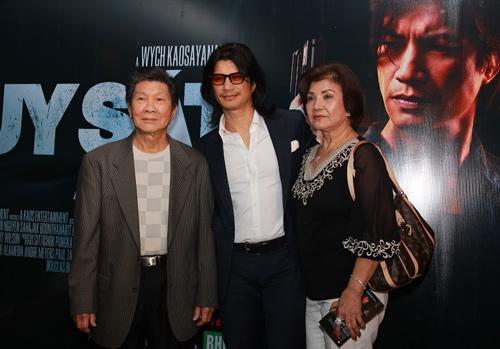 "Dustin Nguyễn ""ra mắt"" bố mẹ - 1"