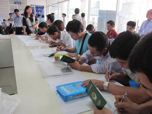 Tiếp tục thi tiếng Hàn cho LĐ về nước đúng hạn - 1