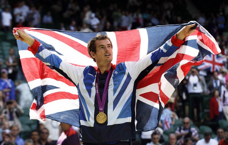 Andy Murray giải tỏa con khát danh hiệu lớn bằng chiếc HCV Olympic 2012, một trận đấu tuyệt hay của anh trước Roger Federer, thắng 6-2, 6-1, 6-4.