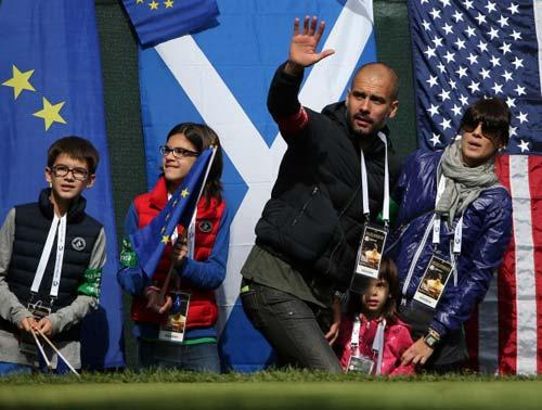 Chelsea bổ nhiệm Benitez, vẫn chờ Pep - 1