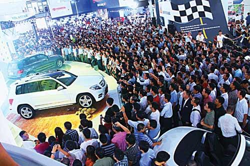 Ôtô Việt Nam: Tăng đầu tư đón cơ hội - 1
