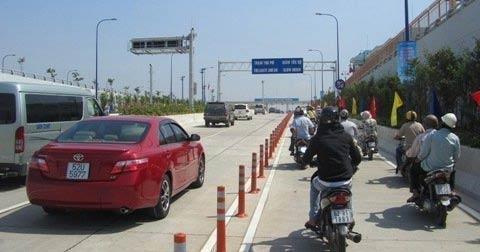 Không thu phí hầm vượt sông Sài Gòn - 1