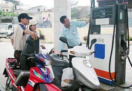 Giá xăng dầu có thể bị đẩy cao - 1