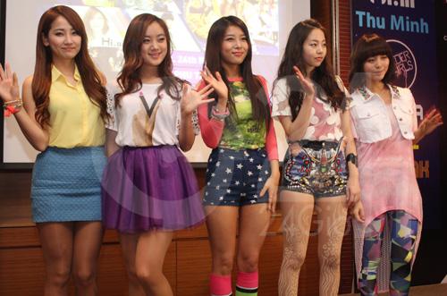 Wonder Girls rạng ngời tại Việt Nam - 1