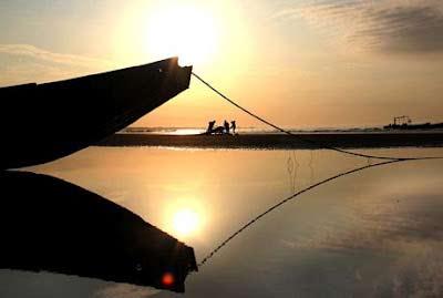 Khám phá bãi biển dài nhất Việt Nam - 1