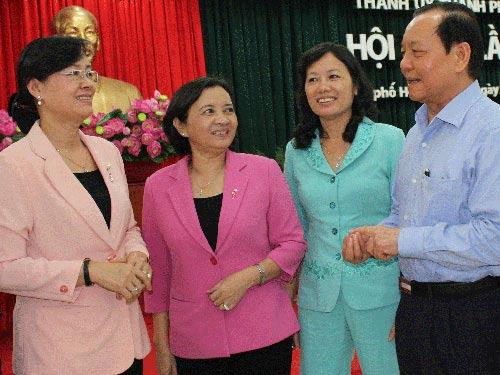 Thành ủy TPHCM nhận lỗi trước dân - 1