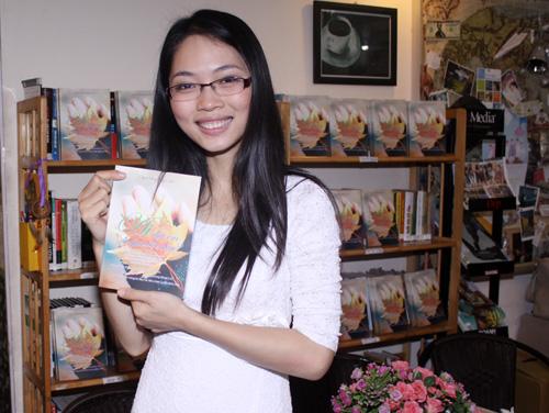 Lâm Phương Lam ra sách đầu tay - 1