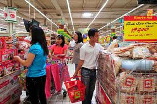 Hàng Tết 2013: Sức mua quyết định giá cả - 1