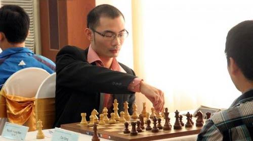 Hoàng Nam và Thanh Tú vô địch cờ vua các đối thủ xuất sắc 2012 - 1