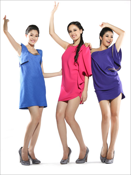 Hoa hậu Thu Thảo đọ chân dài với đàn chị - 1