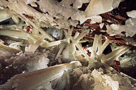 Sức hấp dẫn chết người của những hang động bí ẩn - 1