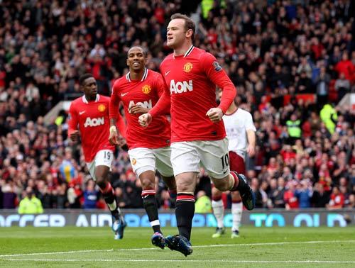 Fan đấu khẩu trước Derby Manchester - 1