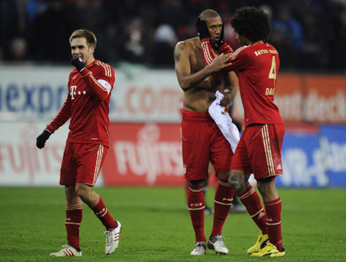 Augsburg - Bayern: Không thể cản - 1