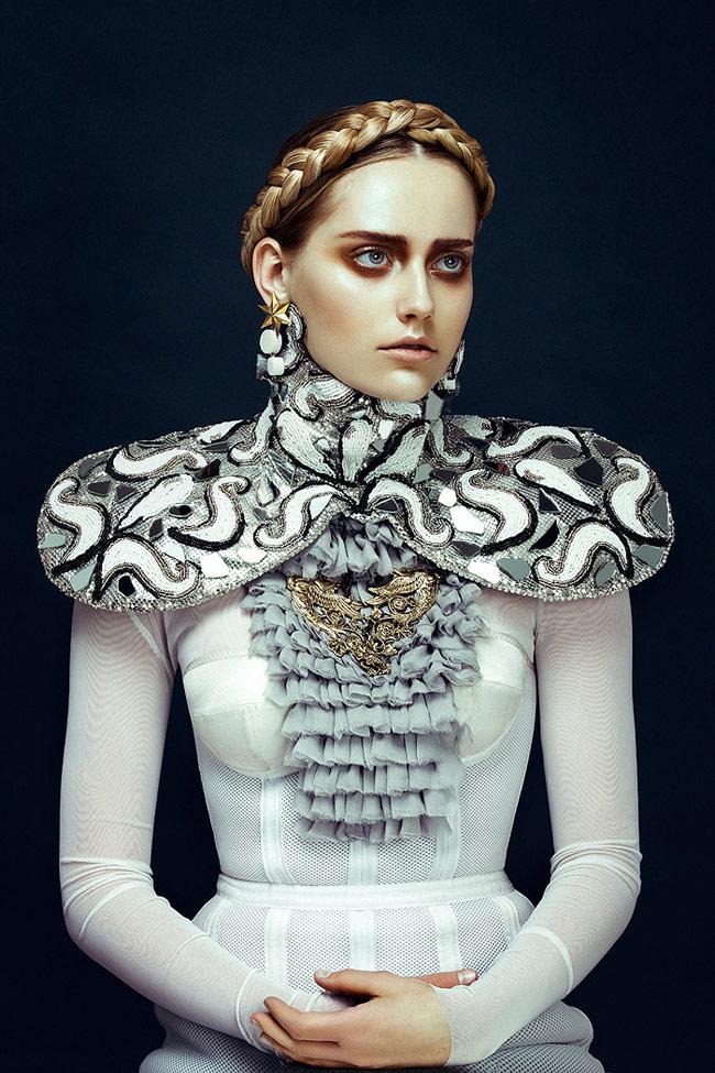 Kiểu tóc tết vương miện được lăng xê nhiệt tình nhờ vào trào lưu thời trang phục hưng.