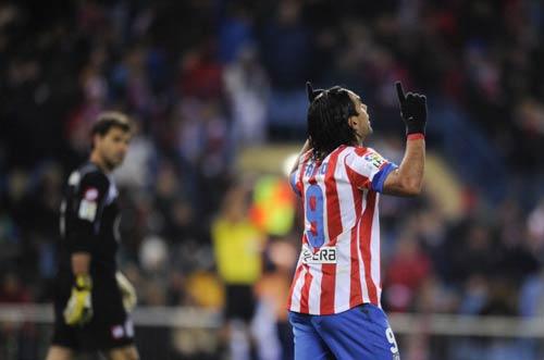 Chiếc giày vàng: Messi, Falcao… tăng tốc - 1