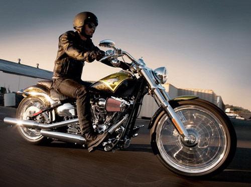 Harley-Davidson CVO Breakout: Bộ tứ siêu đẳng - 1