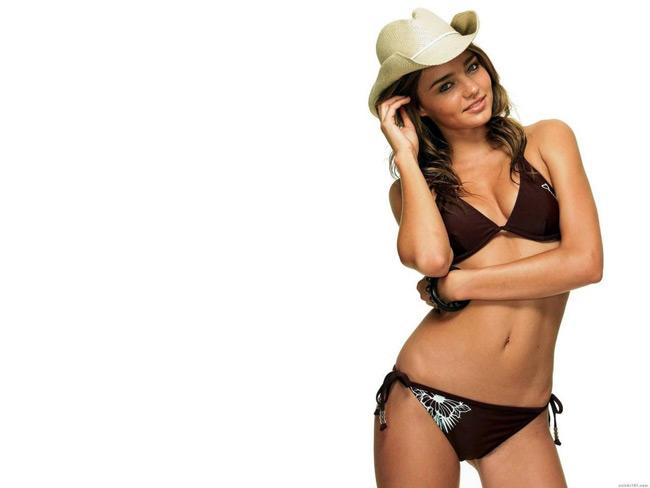 Miranda Kerr là siêu mẫu người Úc và cũng là thiên thần ăn khách số một  của hãng thời trang danh tiếng Victoria's Secret.