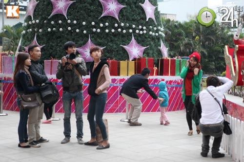 Giới trẻ Hà Thành đón Giáng sinh sớm - 1