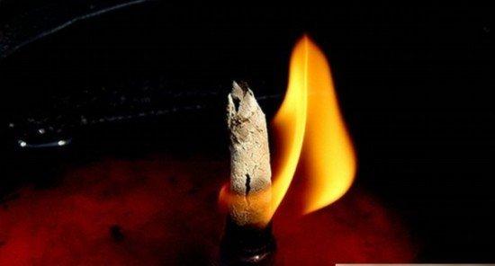 Ngọn đèn ngàn năm không tắt trong cổ mộ - 1
