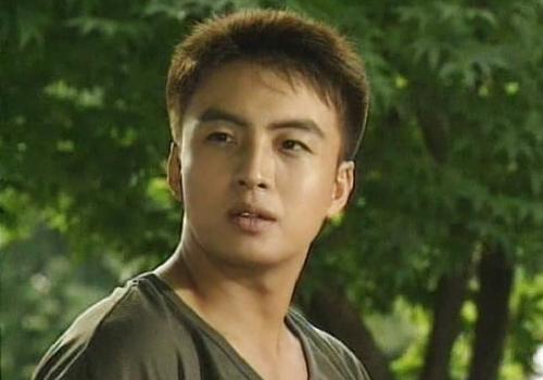 Tranh cãi vì vẻ đẹp của trai Hàn - 1