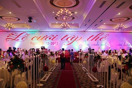 Kỷ lục lễ cưới trong ngày 12/12/2012 - 1