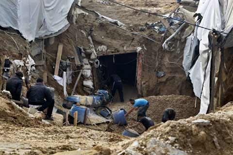 Ngành công nghiệp đường hầm buôn lậu ở Gaza - 1