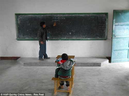 Trung Quốc: Lớp học có  duy nhất một học sinh - 1