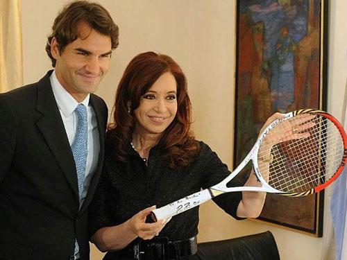 Federer tặng quà Tổng thống Argentina - 1