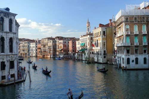 Du ngoạn thành phố 'Nữ hoàng biển Adriatic' - 1