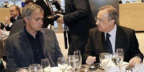 "Vẻ mặt ""đưa đám"" của Mourinho - 1"