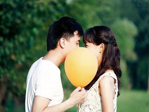 Thơ tình: Nụ hôn dài - 1