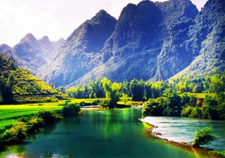 Thiên nhiên Cao Bằng đẹp hơn tranh lụa - 1