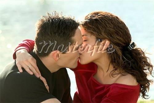 Những lợi ích sức khỏe từ nụ hôn - 1