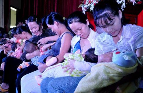 Từ 1/2013, lao động nữ nghỉ thai sản 6 tháng - 1