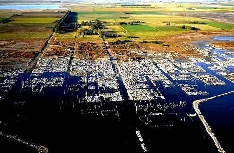 """Thăm """"thành phố ma"""" chìm dưới nước 25 năm - 1"""