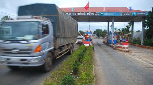 Xóa 17 trạm thu phí cầu đường từ 1/1/2013 - 1
