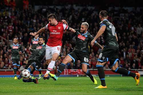 Arsenal: Mơ cánh diều bay xa - 1