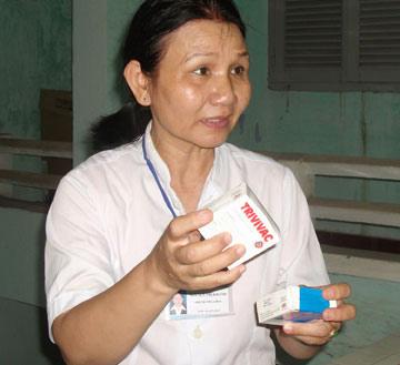 Tiêm vaccin hết hạn: Kỷ luật, kiểm điểm 6 cán bộ - 1