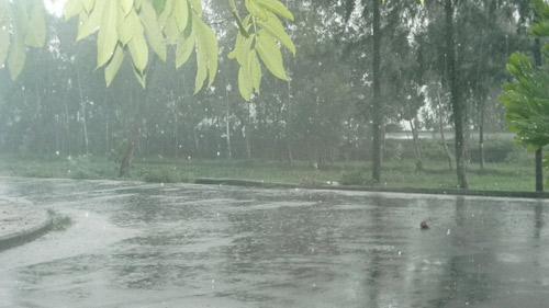 Quảng Nam: Thủy điện xả lũ, nhiều nơi bị cô lập - 1