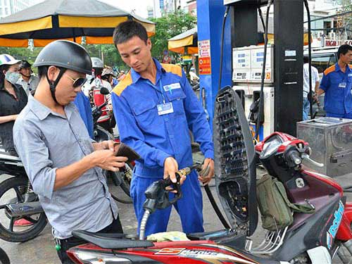 Phạt nặng vi phạm về xăng dầu - 1