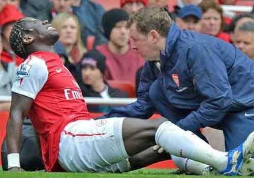 Arsenal tiếp tục đón bão chấn thương - 1