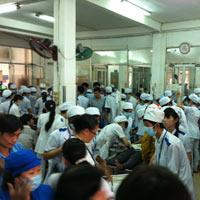 1.000 công nhân nhập viện sau bữa ăn trưa