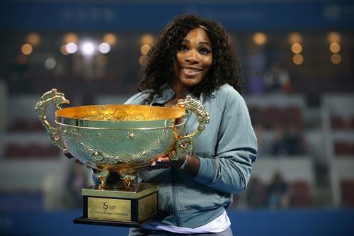 Cam chịu dưới gót giày Serena - 1