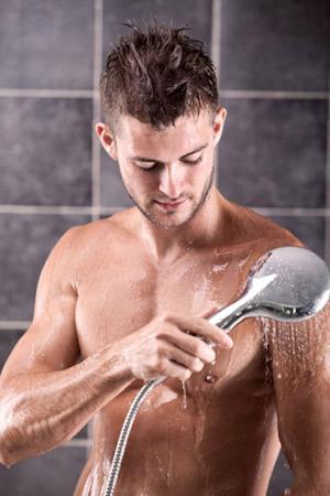 Dùng sữa tắm để thủ dâm có hại không? - 1