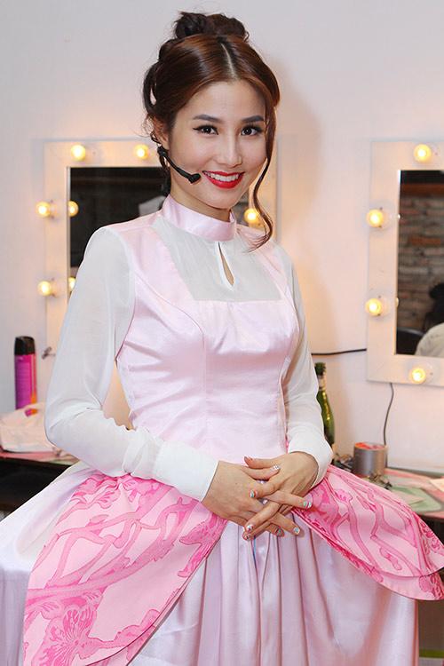 Diễm My 9X hóa thiếu nữ quý tộc xinh đẹp - 1