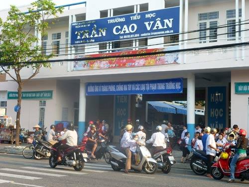 """Đà Nẵng: Ban phụ huynh """"tố"""" hiệu trưởng - 1"""