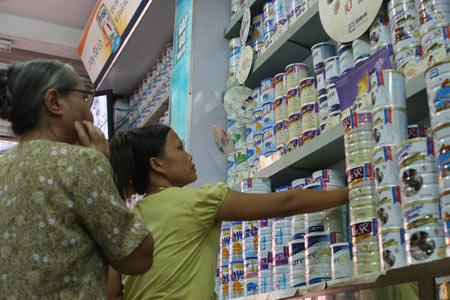 Kiểm soát thị trường sữa: Khó hy vọng việc giảm giá - 1