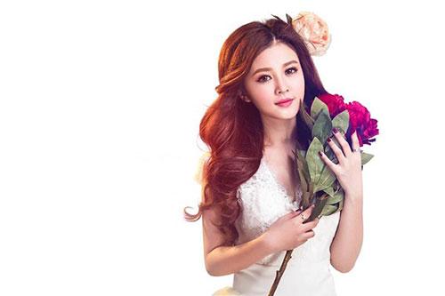 Hot girl Gia Lai xinh như búp bê - 1