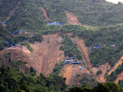 Lở bãi vàng: Lào Cai thừa nhận có 12 người chết - 1