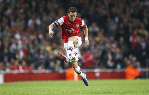 """NHA trước V8: Arsenal tiếp tục """"bay"""" - 1"""